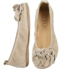 Move By Melton Ballerina Shoes - Light Brown Suede